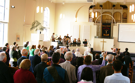 MikeCrudge.com-church-attendance-Oxford-Terrace-Baptist-Church-2010-PICT9525
