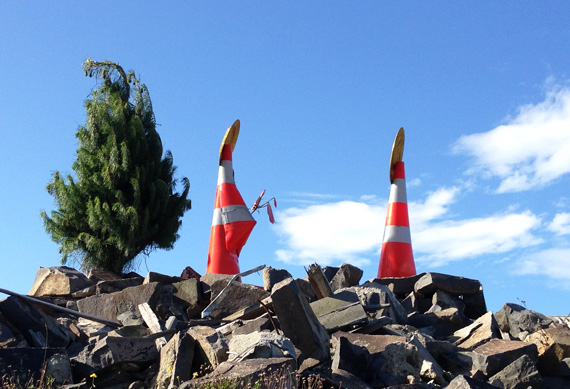 Pete-Majendie-Road-Cone-Nativity-570